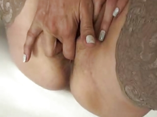 mature masturbation (ariella 511yo)