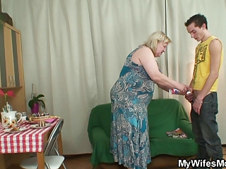 wife comes in when her mama rides my penis