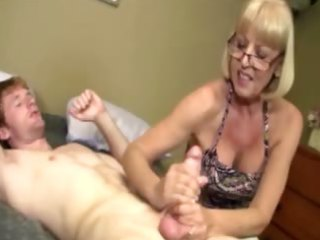 giving granny is giving a wang massage