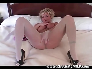 blond mother i in hose rubbing pussy