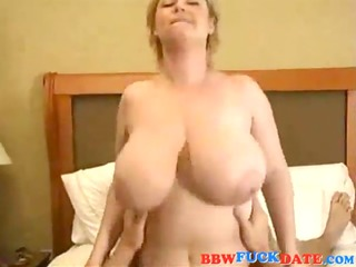 dilettante wife with big tits have sex tape