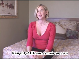 aged wife receives creampie
