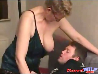 dilettante milf fucked by youthful fat dude