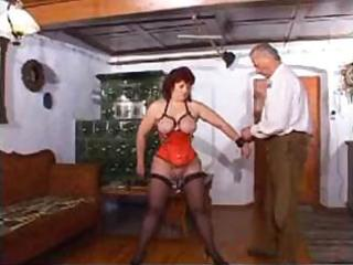 aged lady has pierced nipps and muff in threesome