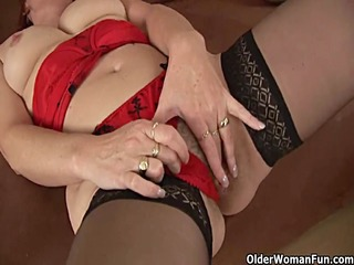 slutty granny in nylons is dildoing her curly