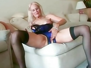 sexy golden-haired granny toys her twat in