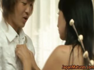 japanese mature lady has sex