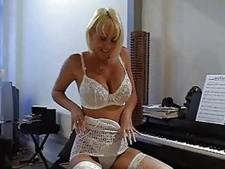 busty blonde milf in hawt lace lingerie fingers