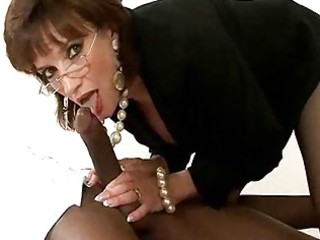 mature bitch in glasses and pearls has some