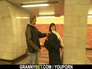 bulky mature gets her fat fur pie pounded