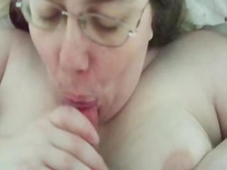 bulky bitch mammas alway swallow!
