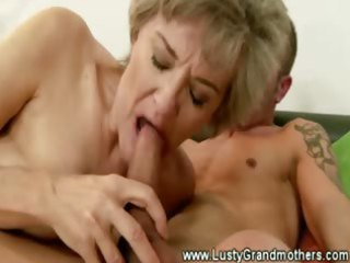 aged granny vagina sucked after giving blow job