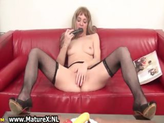 indecent older wife can to stick a sextoy