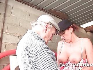 mature francaise sodomisee dans un gangbang avec