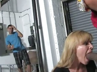 golden-haired mother nicole moore gets