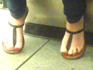 toes in belt sandals