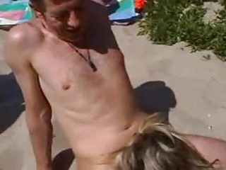 banging dilettante wife on the beach