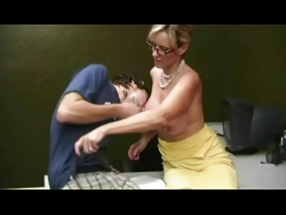 mamma giving cook jerking to shy boy by troc