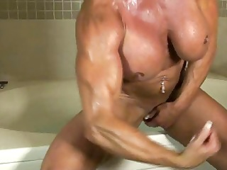 lynn hot muscle bath
