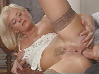 hawt italian milf enjoys double penetration by