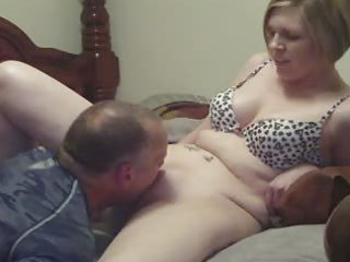 milf wife cumming with the assist of a tongue