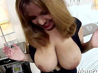lalin girl d like to fuck huge natural milk cans