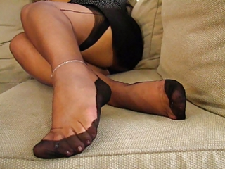 older fully fashioned stockings feet
