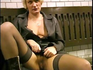 flashing and engulfing on the subway