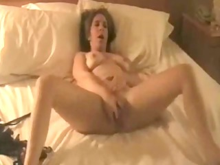 amateur wife toys her vagina to big o !