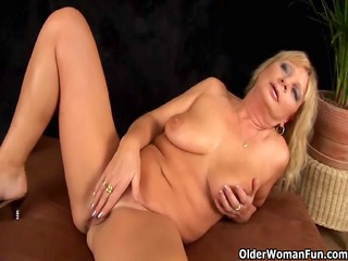 breasty grandma squirts her love tunnel juice as