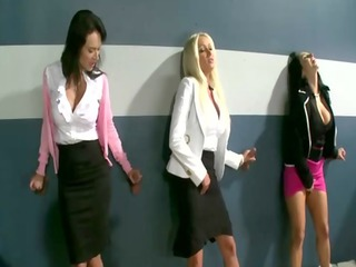 group of dick hungry cfnm milfs engulfing