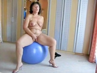 chunky older wench on her blue ball