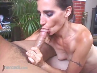 bodybuilder cheri teases and pleases, blowjob